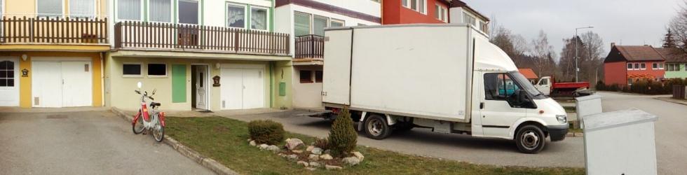 <p>Zajišťujeme jak velké komplexní stěhování bytů nebo domů, tak i menší stěhování části domácnosti, například v rámci jedné budovy.</p>